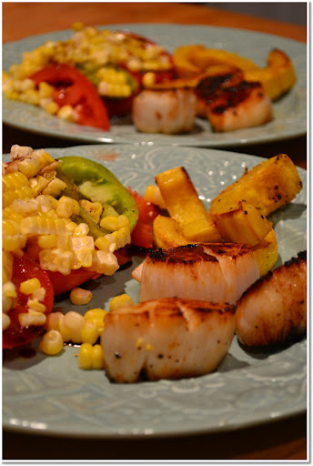 Seared scallops and fresh tomotoes and corn
