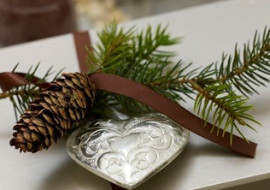 Eco Friendly Wrapping-Bring the Outdoors In