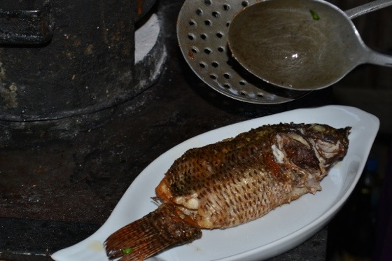 Myanmar inle lake fish curry
