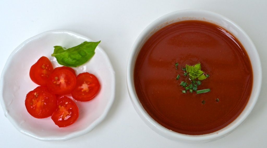 cold tomato red pepper soup