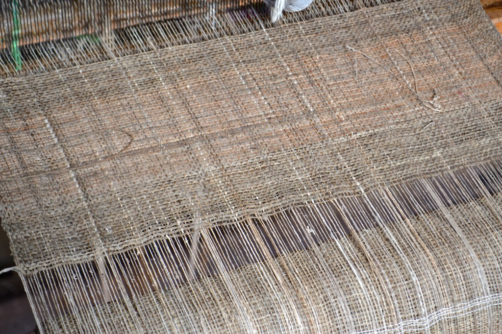 inle lake weaving