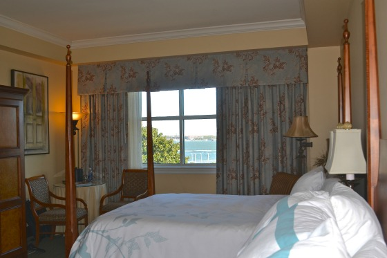 charleston-harbourview-inn-room