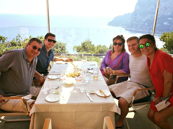 italy-amalfi-coast-lunch-with-view-greenwithrenvy