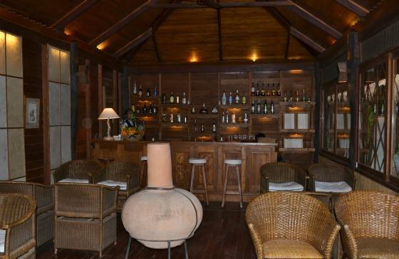 myanmar-inle-lake-lakeview-hotel-bar