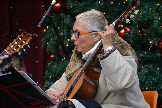Musician at Cologne's Christmas Market