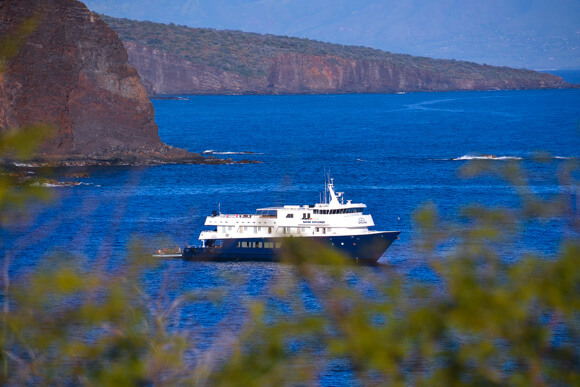 Safari Explorer off the coast of Lanai
