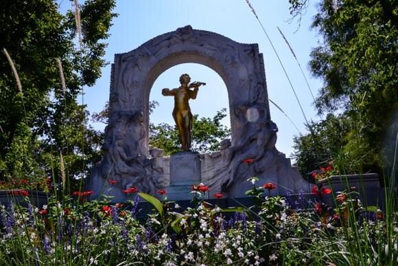 Strauss Statue in garden park vienna