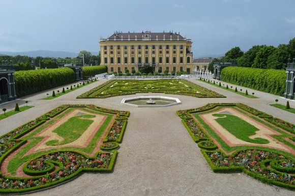 Vienna for couples palace