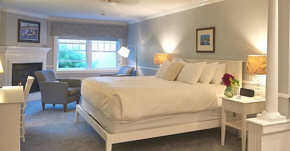 room at the Inn at Oceans Edge